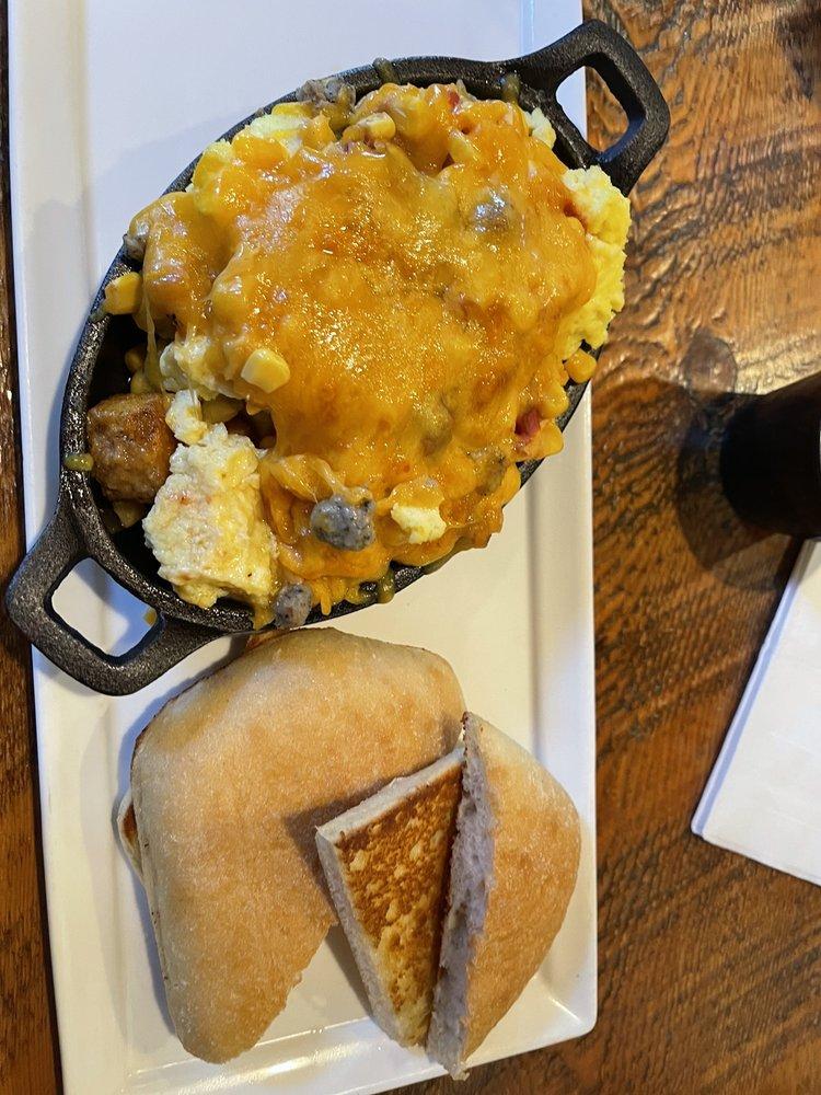 The Cowboy's Grille: 303 2nd St S, Gardiner, MT