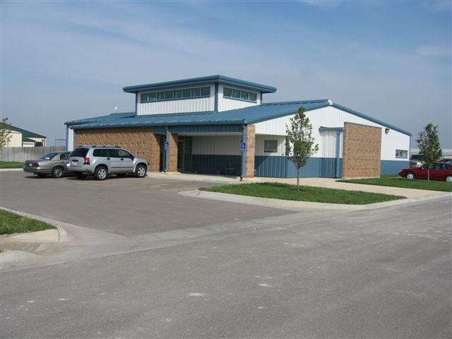 Newton Animal Hospital: 3700 S Kansas Rd, Newton, KS