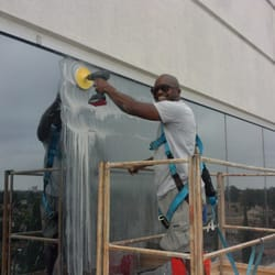 Evans Dynamic Window Cleaning