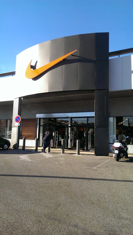 nike factory magasin de sport la valentine marseille photos yelp. Black Bedroom Furniture Sets. Home Design Ideas