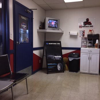 Photo Of All American Discount Tires   Lakeland, FL, United States. Large  Waiting