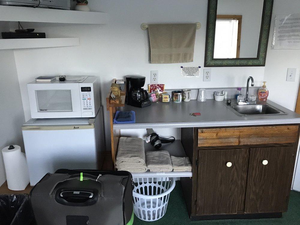 Bunk House: 36315 Hwy 101 N, Nehalem, OR