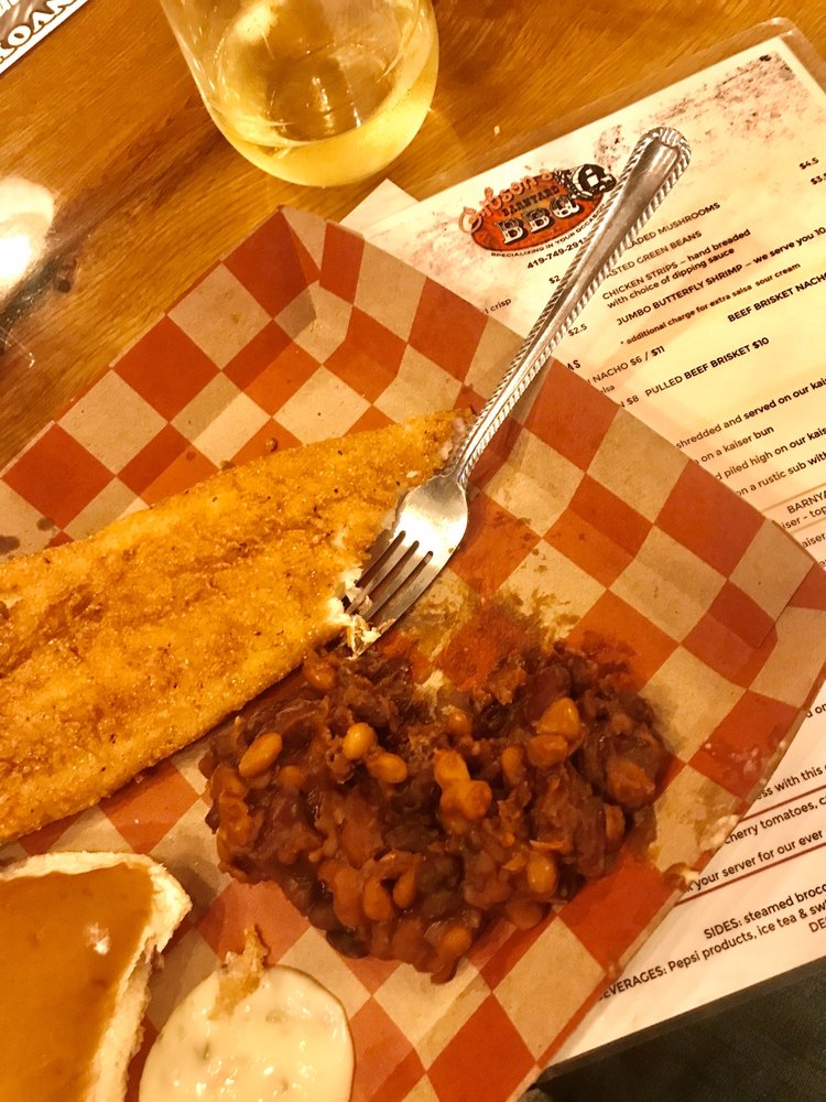 Gibson's Barnyard BBQ: 110 W Tully St, Convoy, OH