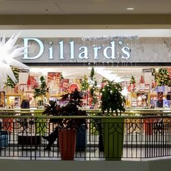 a6ced8ea8c Dillard s - 11 Photos   17 Reviews - Department Stores - 7000 N ...