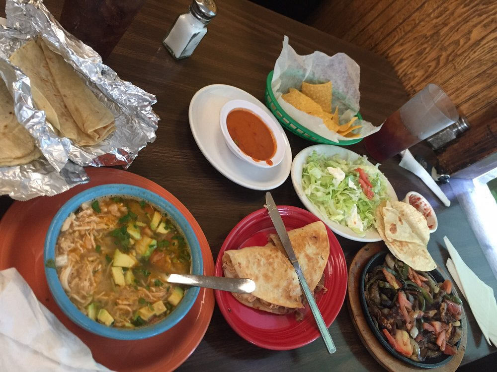 Mi Plaza Mexican Restaurant: 414 N Veterans Blvd, Glennville, GA