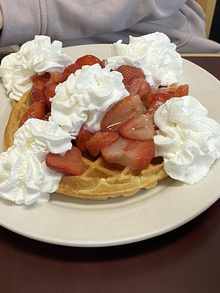 Darlena's Lincolnland Restaurant: 518 Jefferson St, Rockport, IN