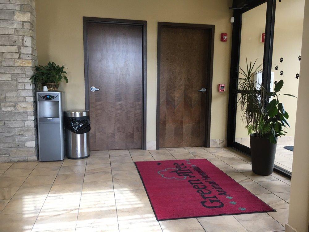 GreenTree Animal Hospital: 800 E Park Ave, Libertyville, IL