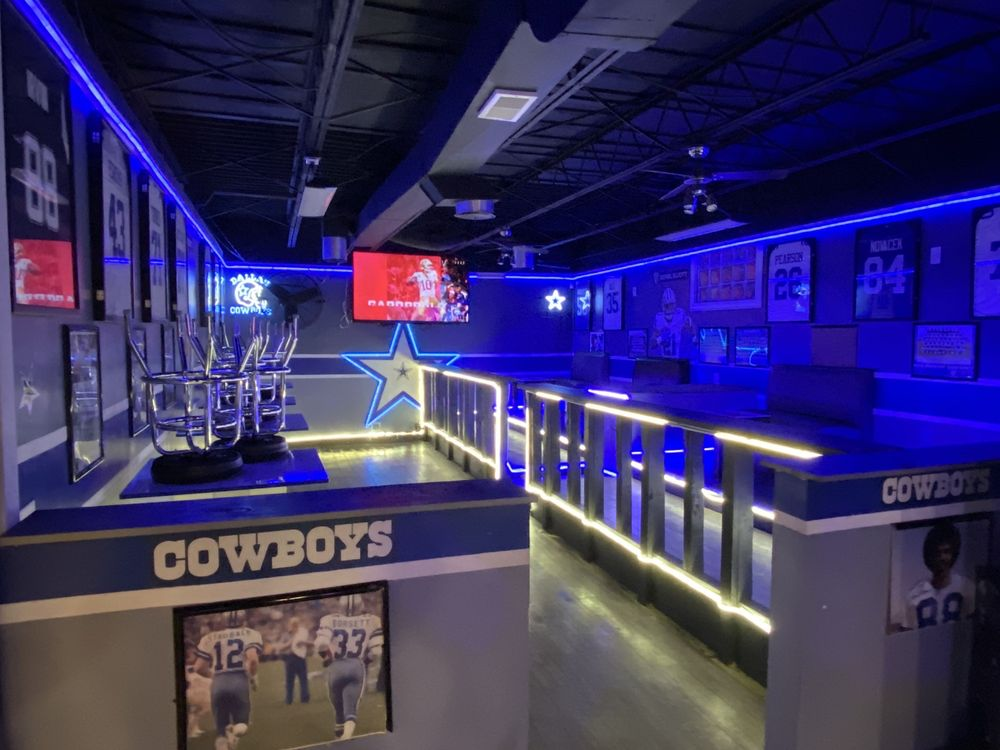 The Nation Sports Bar & Grill: 6017 Natural Bridge Ave, St. Louis, MO