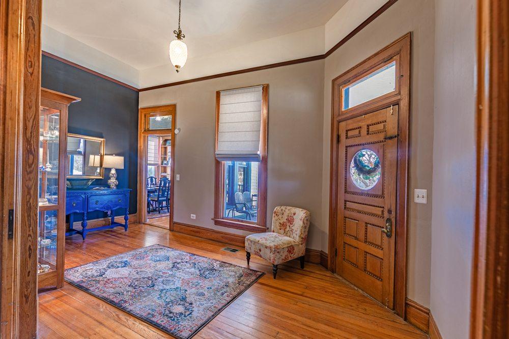 Blue Heron Bed and Breakfast on Lake Granbury: 511 S Baker St, Granbury, TX