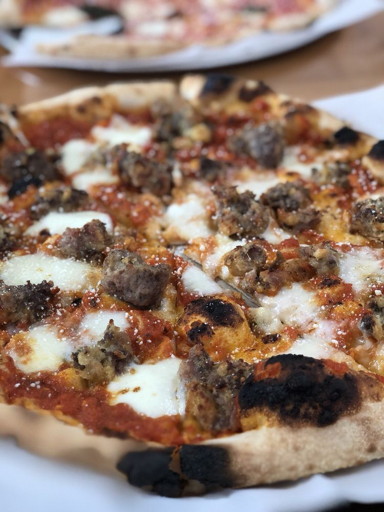 Vic and Nicalena's Wood Fired Pizza: 230 Arthur St, Kittanning, PA