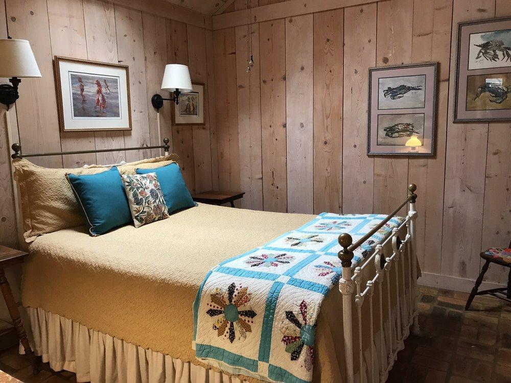 Bay Breeze Guest House: 742 S Mobile St, Fairhope, AL
