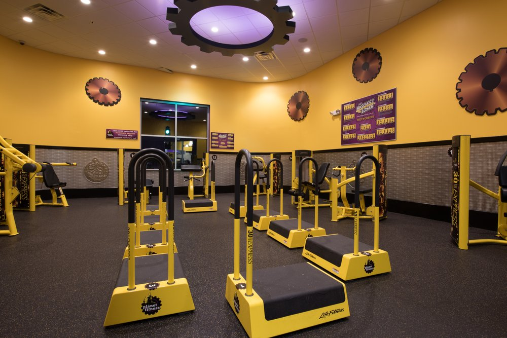 Planet Fitness: 125 Lakeview Dr, Cross Lanes, WV