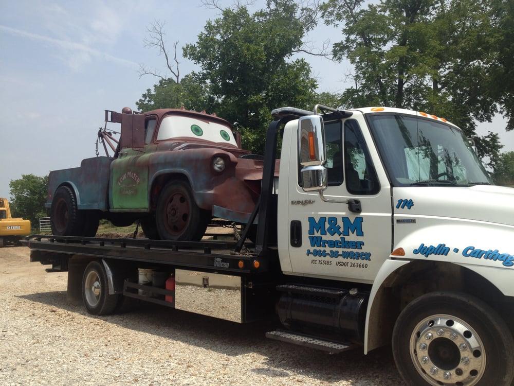 M & M Wrecker Service: 4093 S Garrison Ave, Carthage, MO