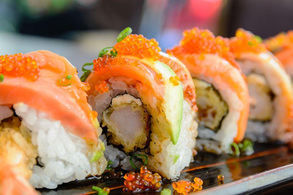 Seaweed Steaks, Seafood & Sushi: 2819 W Bay Dr, Belleair Bluffs, FL