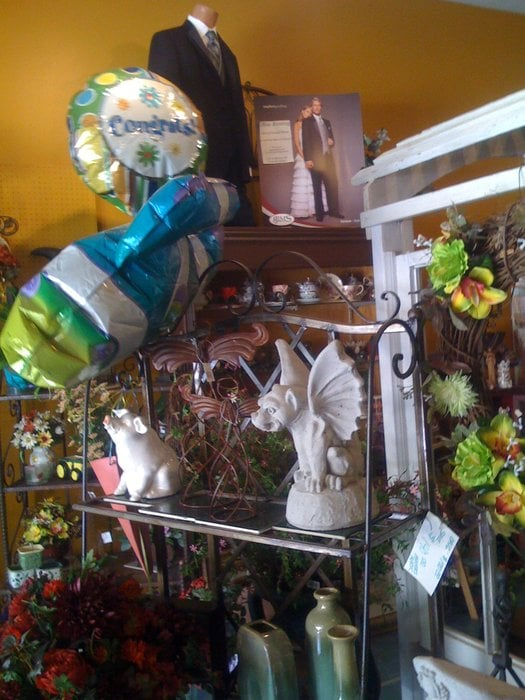 Stella's Flowers and Gifts: 307 Main St, Boonville, MO