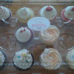 How Sweet It Is Cake Studio Dessert Shop 92 Photos Desserts