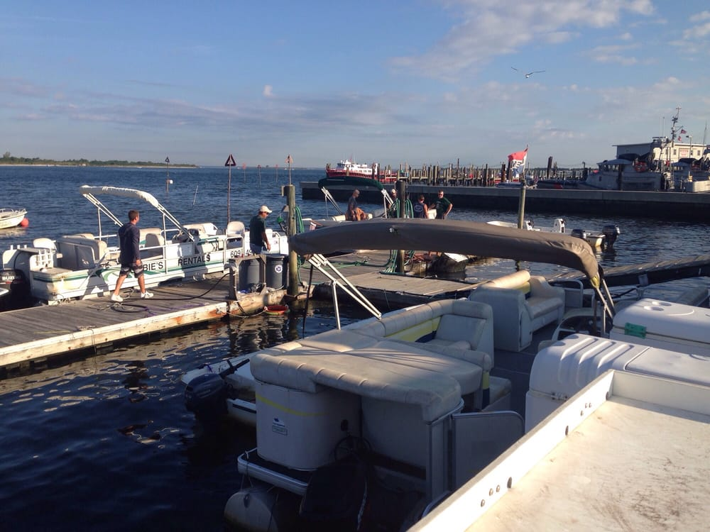 Bobbie's Boat & Motor Rentals: 701 Bayview Ave, Barnegat Light, NJ