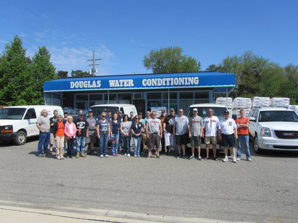 Douglas Water Conditioning: 1000 N Leroy St, Fenton, MI