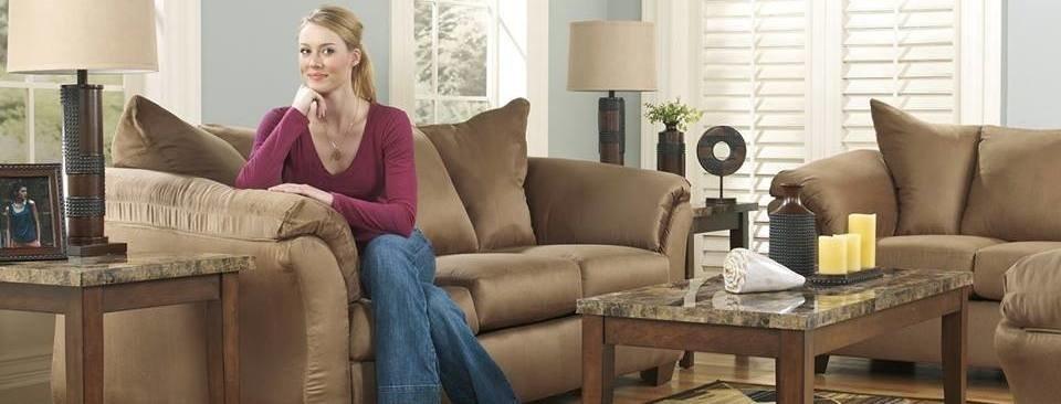 Neighborhood Closet-Furniture: 1305 West Bremer Ave, Waverly, IA