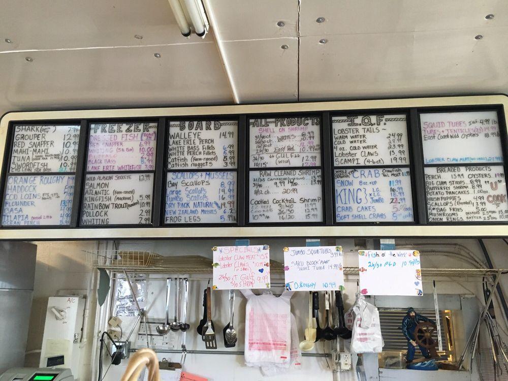 Ardick Seafood: 922 Colorado Ave, Lorain, OH