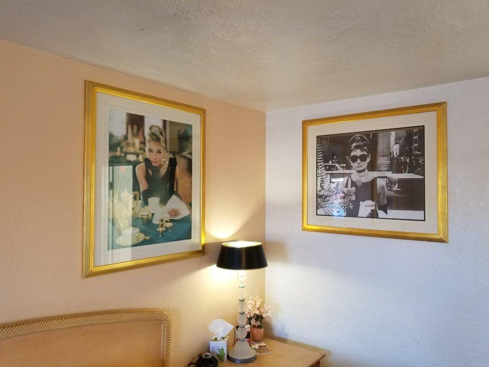 El Trovatore Motel: 1440 E Andy Devine Ave, Kingman, AZ