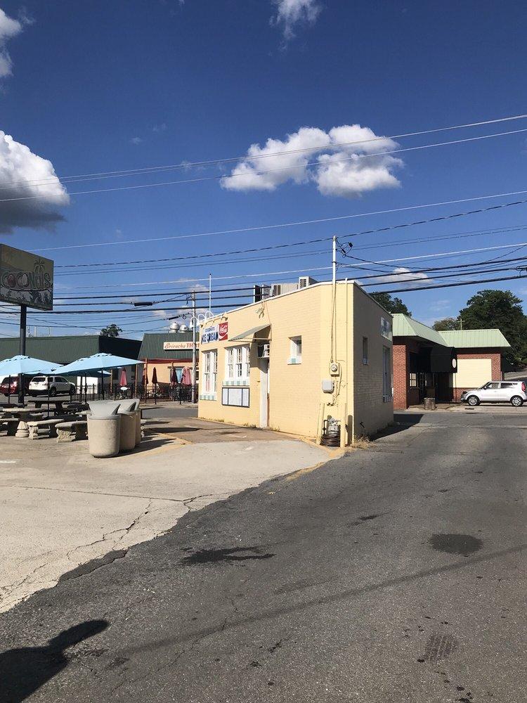 Coconuts Ice Cream: 115 S Gilmer St, Cartersville, GA