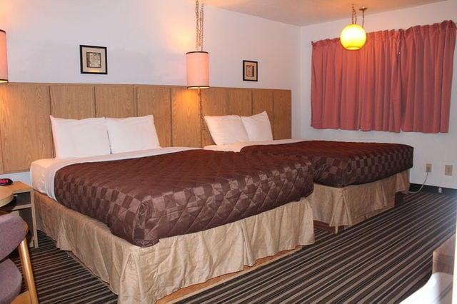 Riverview Motel: 200 Front St NE, Boardman, OR