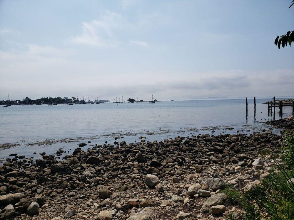 Esker Point Beach: 900 Groton Long Point Rd, Groton, CT