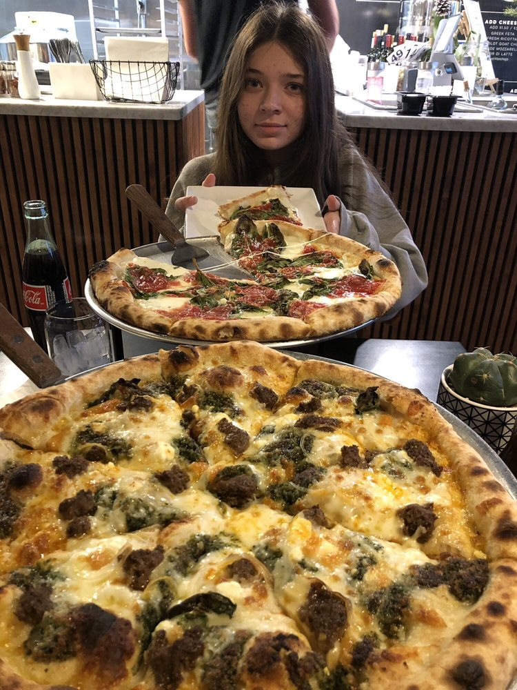 Food from Pizza Luna