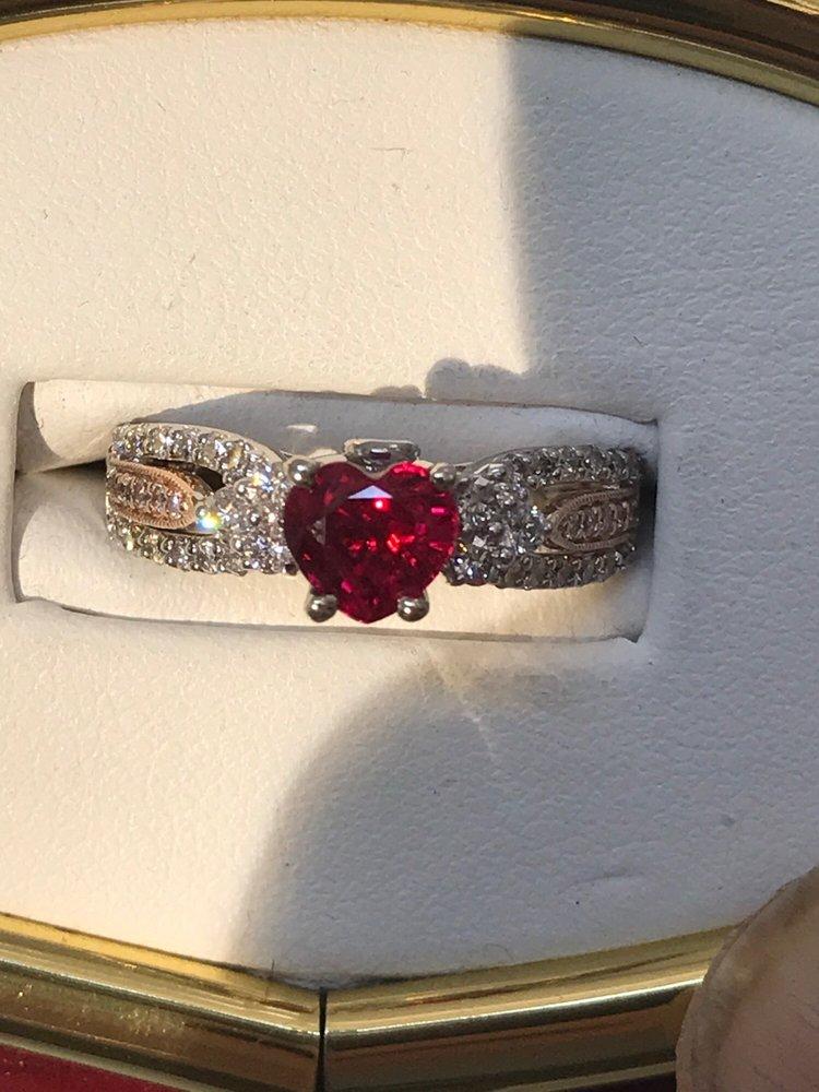 Master Jewelers: 755 NW Gilman Blvd, Issaquah, WA