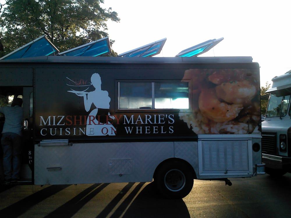 Miz shirley maries cuisine on wheels | 8521 Thys Ct, Sacramento, CA, 95828 | +1 (916) 531-9591