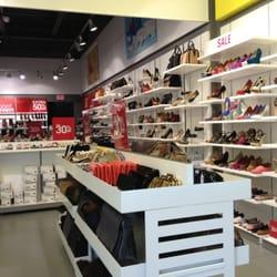 1e88492673b Aldo Outlet - Outlet Stores - 852 Premium Outlets Dr