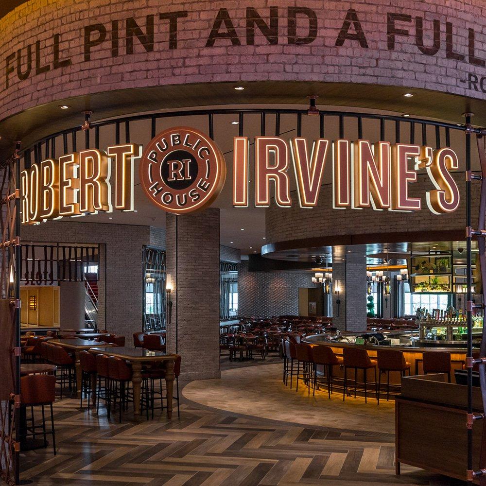 Inside A House In Los Vegas: Robert Irvine's Public House Restaurant Inside Tropicana