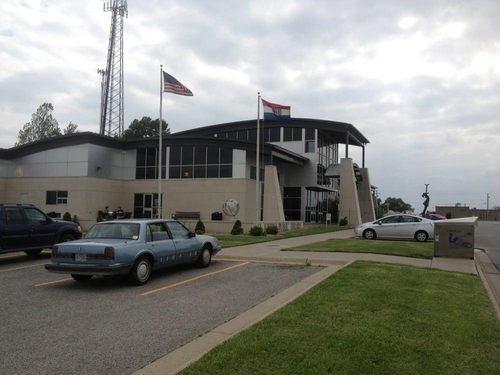 Saint Joseph MO Visitors Center: 502 N Woodbine Rd, St. Joseph, MO