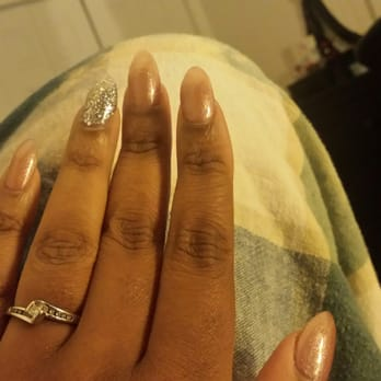 Pro nails 16 photos nail salons 1813 pioneer pkwy e for 4 sisters nail salon hours