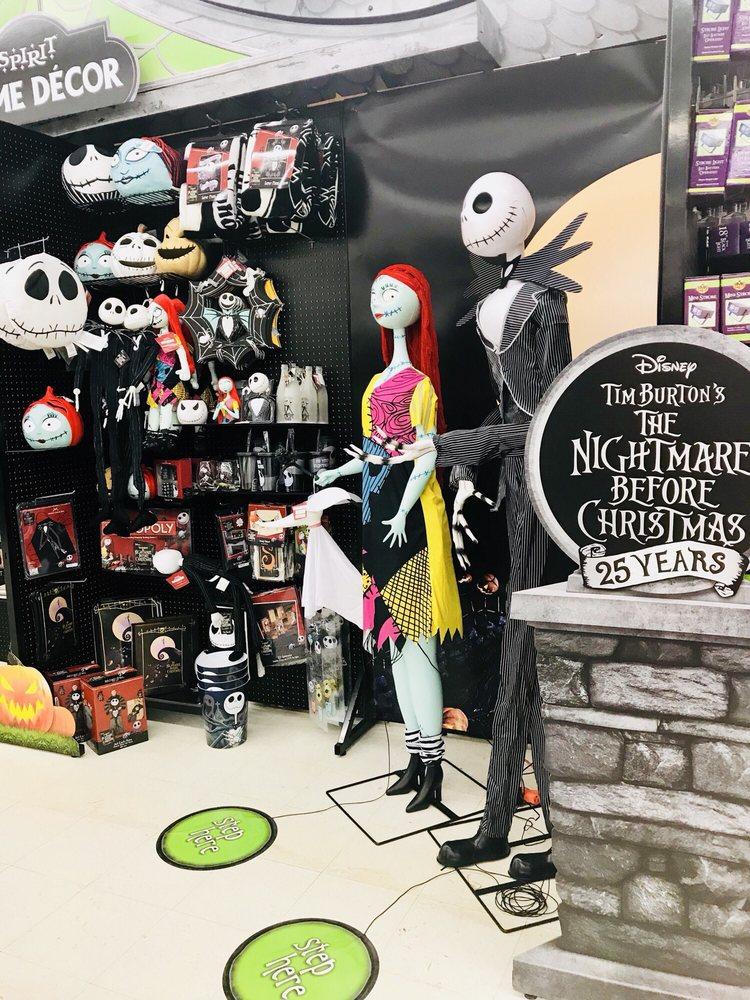 Spirit of Holloween Super Store: 21000 Southbank St, Sterling, VA