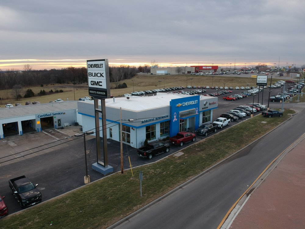 Roberts Robinson Chevy Buick GMC: 1501 Kearney Rd, Excelsior Springs, MO