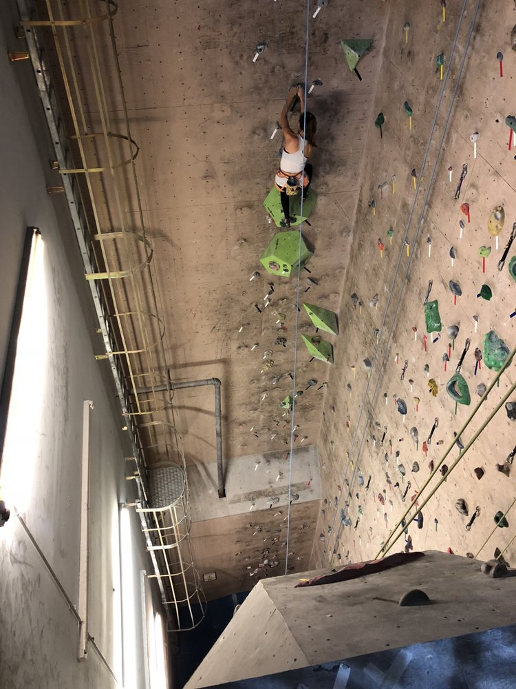 Vertical Dreams Indoor Climbing Gym: 250 Commercial St, Manchester, NH