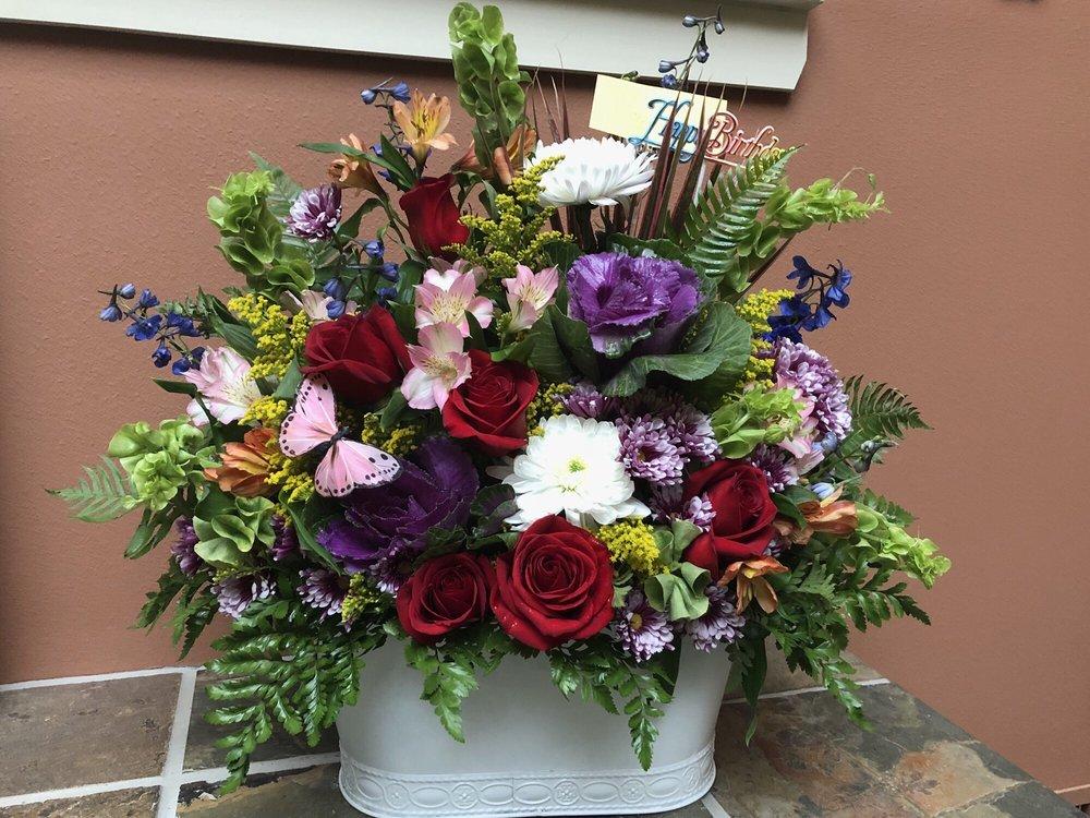 Steffens Flowers: 806 S Bridge St, Brady, TX