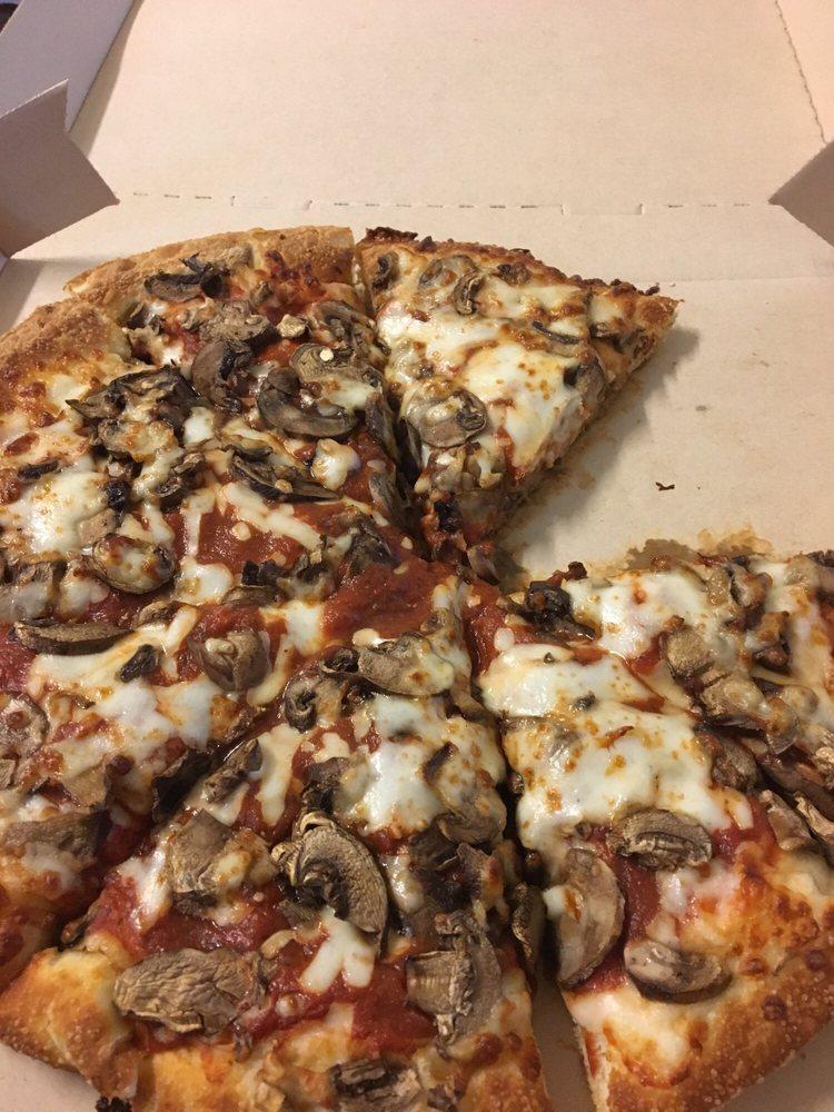 Pizza Hut: 350 E Market St, Leesburg, VA