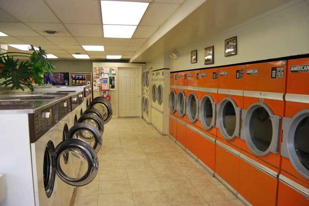 Hansen's Laundromat: 167 South St, Glens Falls, NY