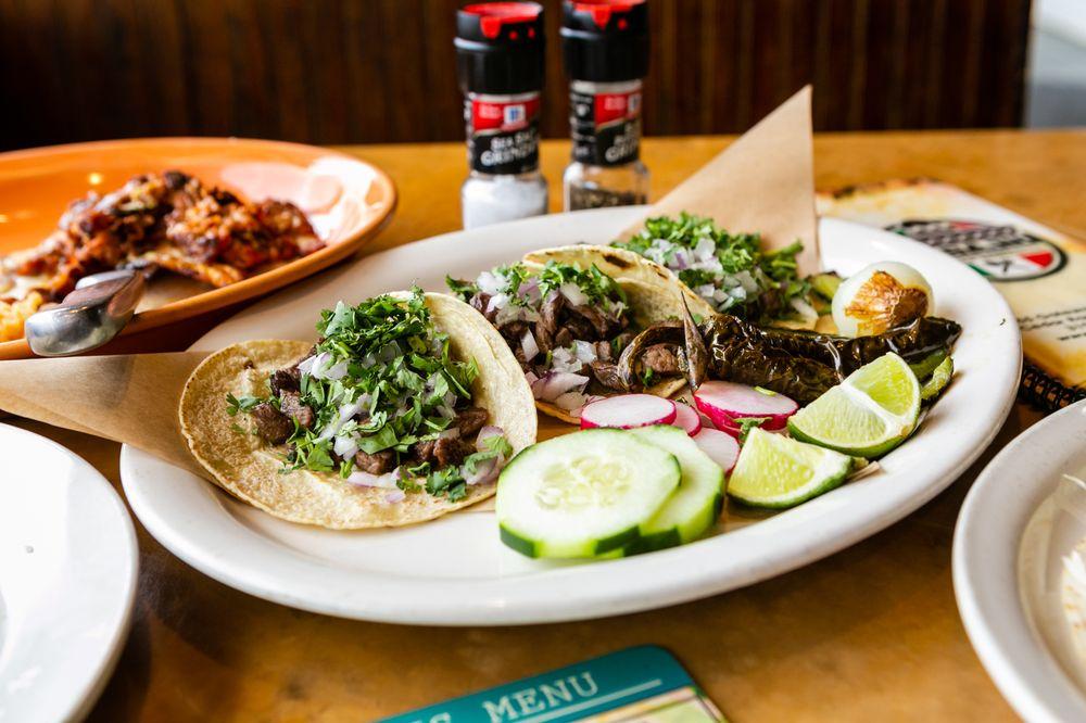 El Bajio Mexican Restaurant: 555 Gateway Pl SW, Cedar Rapids, IA