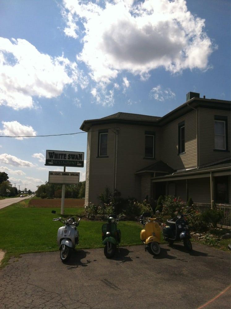 White Swan Restaurant & Lounge: 5969 Marion Marysville Rd, Prospect, OH