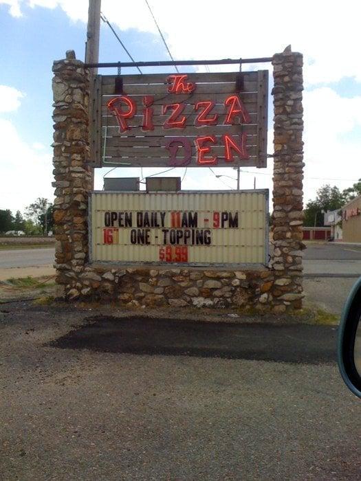 Photo of The Pizza Den: Hoxie, AR