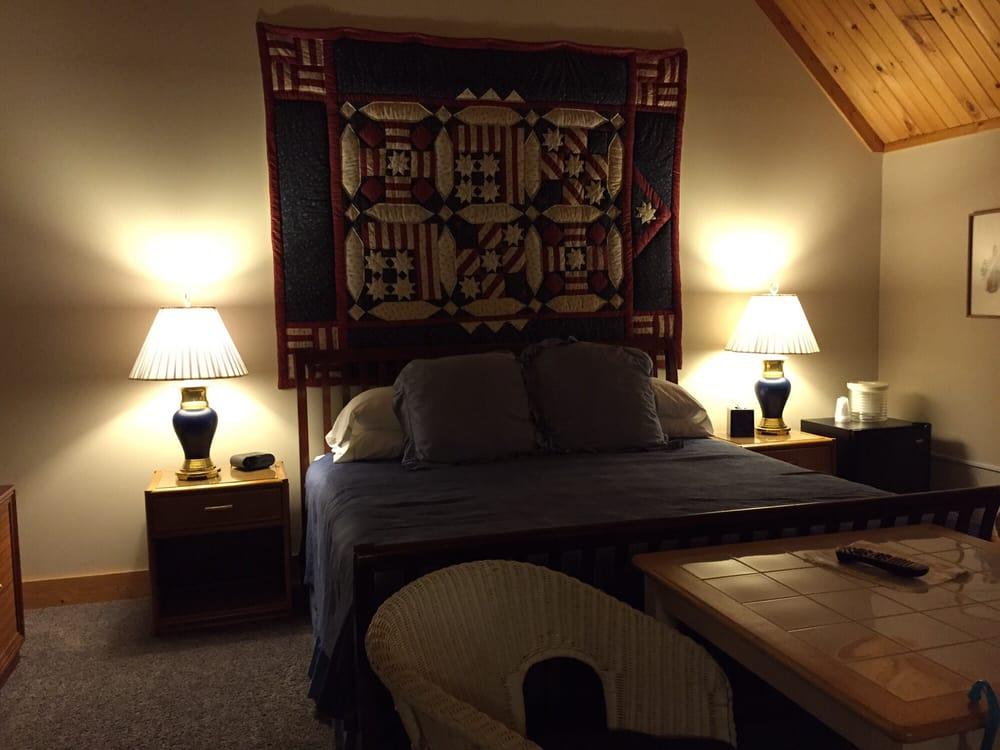 Morning Glory Inn: RR 219, Snowshoe, WV