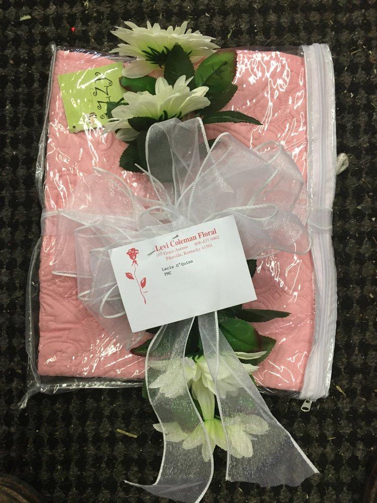 Levi's Floral: 107 Grace Ave, Pikeville, KY
