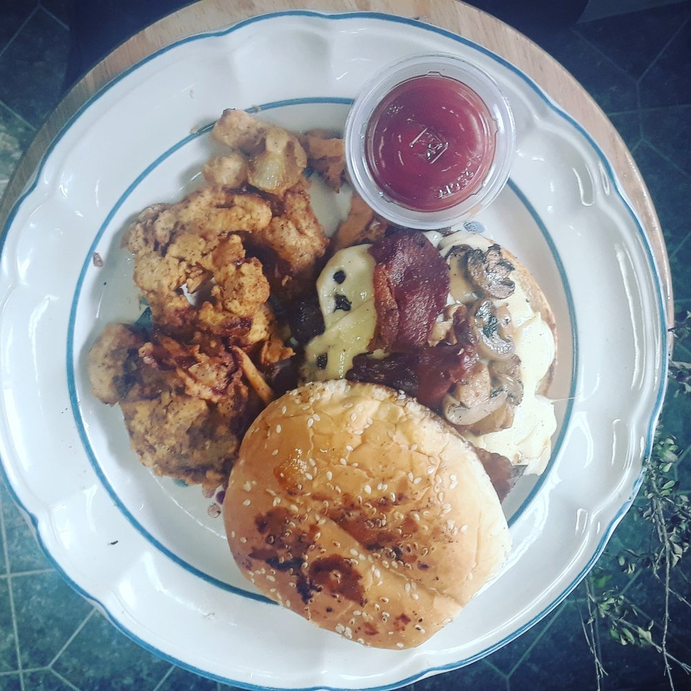 Chuckwagon Cafe: 13639 Hwy 16 N, Medina, TX