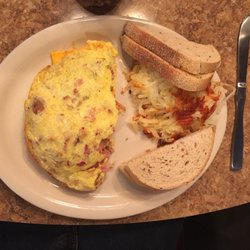 Photo Of Creekside Restaurant Bar Brecksville Oh United States Farmer S Omelette