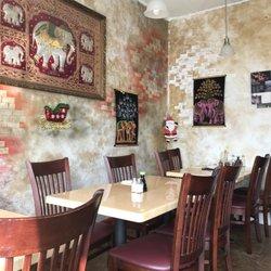 Photo Of Hot Thai Restaurant Los Angeles Ca United States Cute