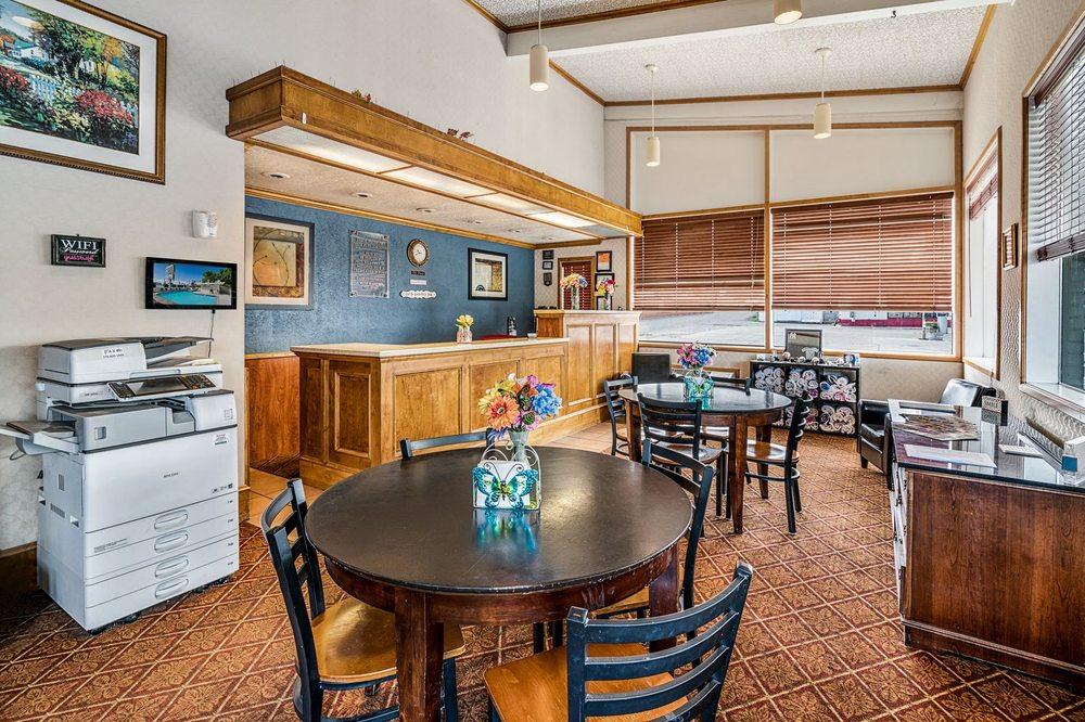 Holiday Motel: 670 W Winnemucca Blvd, Winnemucca, NV